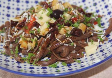 Salade de  pâtes de caroube