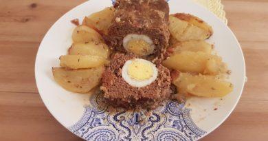 Rouleau de viande hachée farcie aux œufs –  Rolo kimas – Greek meatloaf stuffed with eggs